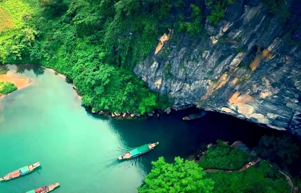 https://images.vietnamtourism.gov.vn/vn/images/2021/thang_9/cua-dong-phong-nha.jpg